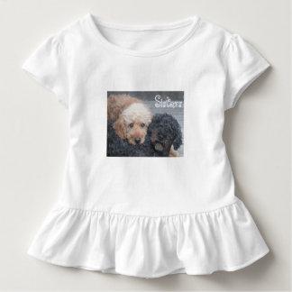 姉妹-ブロンドの女性及びブルネット トドラーTシャツ