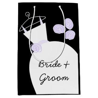 婚礼衣裳の紫色の花嫁及び新郎黒い媒体 ミディアムペーパーバッグ
