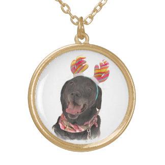 嬉しい休日の黒のラブラドル・レトリーバー犬犬 ゴールドプレートネックレス