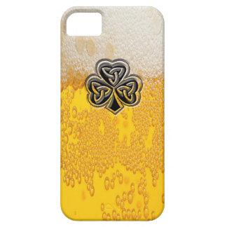 嬉しくおもしろいなビールアイルランドの幸運なシャムロック iPhone SE/5/5s ケース