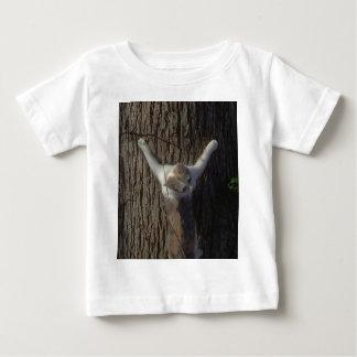 子ネコの物をすること ベビーTシャツ