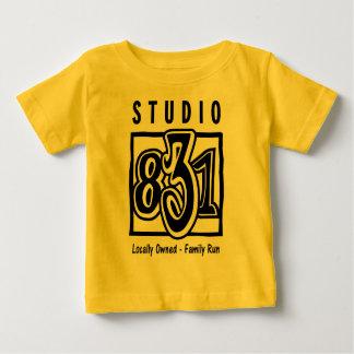子供のスタジオ831のT ベビーTシャツ