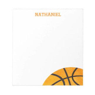 子供のバスケットボールは名前入りなオレンジのカッコいいを遊ばします ノートパッド
