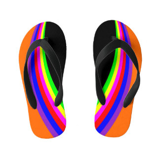 子供のモダンで幾何学的な虹色のストライプのオレンジ キッズビーチサンダル