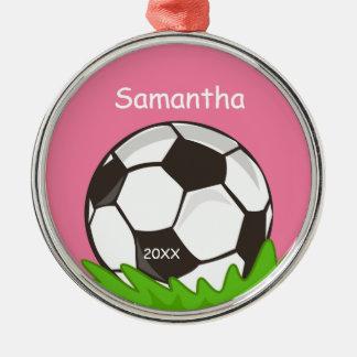 子供の名前入りなサッカーボールのピンク メタルオーナメント