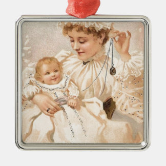 子供の母の日カードを持つビクトリアンな母 メタルオーナメント