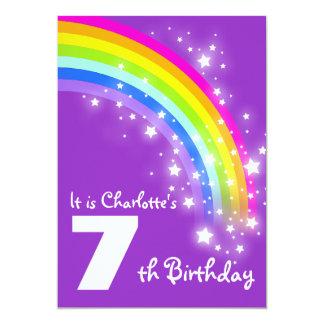 子供の紫色の虹の第7誕生日の招待 12.7 X 17.8 インビテーションカード