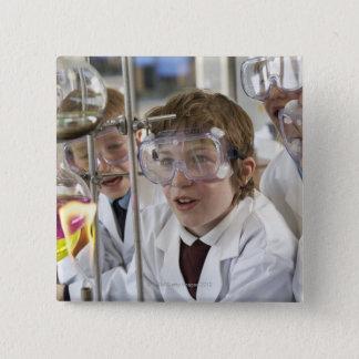 子供(9-12)の監視実験のグループ 缶バッジ