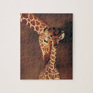 子牛(Giraffaのcamelopardalis)を持つ大人のキリン ジグソーパズル