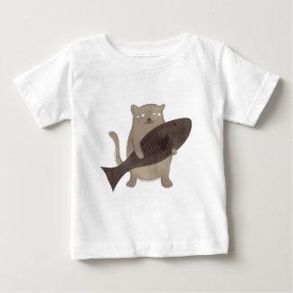 子猫および彼の魚 ベビーTシャツ