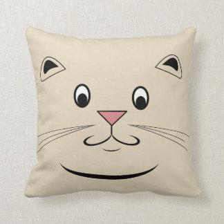 子猫猫の顔 クッション