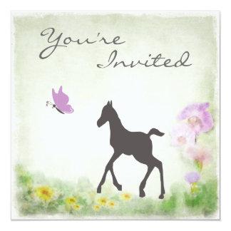 子馬および蝶馬のベビーシャワーの招待状 カード