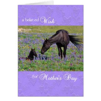 子馬を持つ遅れて母の日カードムスタングのロバ グリーティングカード