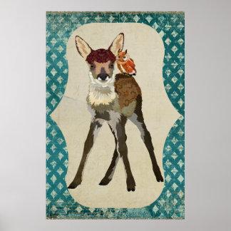 子鹿及び小さいこはく色のフクロウの芸術ポスター ポスター