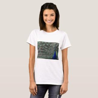 孔雀としてかわいらしい Tシャツ
