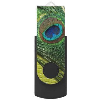 孔雀の羽が付いている緑の静物画 USBフラッシュドライブ