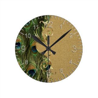 孔雀の金渦巻くオーナメントのテンプレート ラウンド壁時計