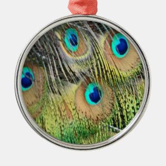 孔雀は目にすべて新しい成長羽をつけます メタルオーナメント
