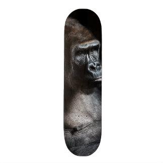 孤独なゴリラ スケートボード