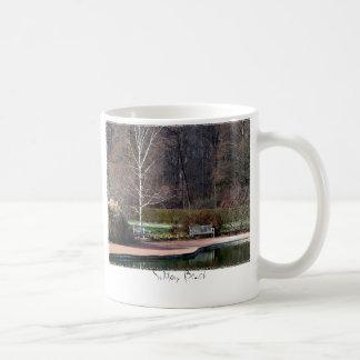 孤独なベンチのマグ コーヒーマグカップ