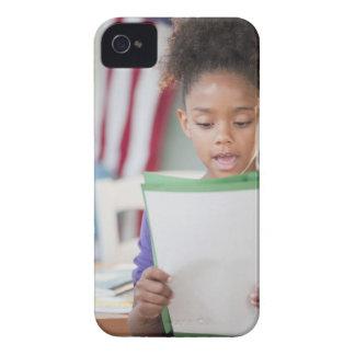学校の混血の女の子の読書レポート Case-Mate iPhone 4 ケース
