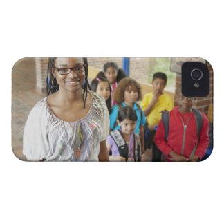 学校の玄関の先生そして学生 Case-Mate iPhone 4 ケース