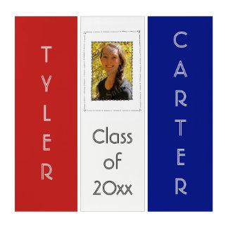 学校は卒業のクラスの写真の挿入物を着色します トリプティカ
