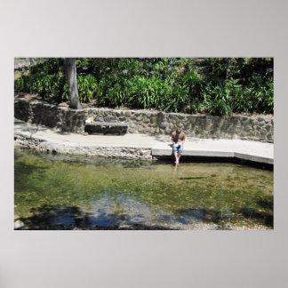学生はSan Luis Obispoの入り江の足を冷却します ポスター
