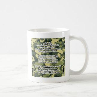 孫の詩の軍隊のカムフラージュ コーヒーマグカップ