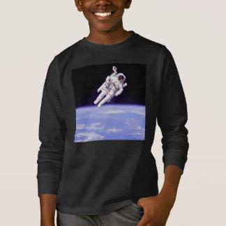 宇宙のワイシャツの宇宙飛行士 Tシャツ