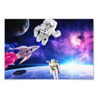 宇宙の宇宙飛行士猫は彼らの夢1を追求しました フォトプリント