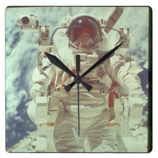 宇宙の宇宙飛行士。 (astronaut_Space スクエア壁時計