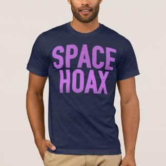 宇宙の悪ふざけ(紫色) Tシャツ