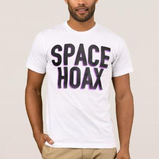 宇宙の悪ふざけ Tシャツ