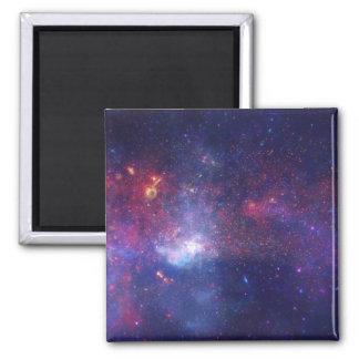宇宙の明るく白熱[赤熱]光を放つな銀河系 マグネット