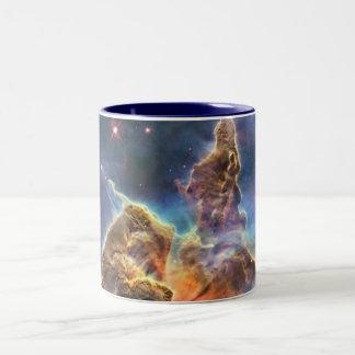 宇宙の星雲のマグ ツートーンマグカップ