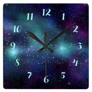 宇宙の紫色の青緑の星雲の星 スクエア壁時計