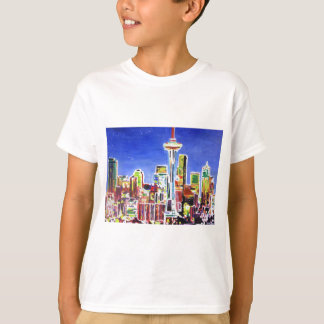 宇宙の針が付いているシアトルの揺らめくスカイライン Tシャツ