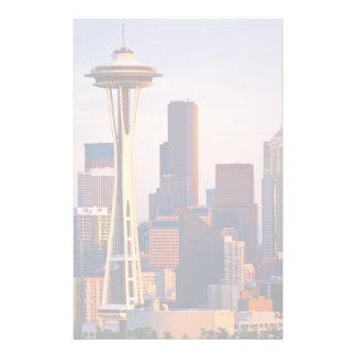 宇宙の針はシアトルの薄暗がりにタワーです 便箋