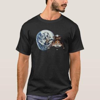 宇宙のLanderが付いている地球 Tシャツ