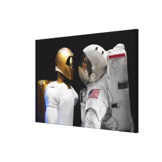 宇宙ロボット2の手際よい、人間そっくりの宇宙飛行士のヘリコプター キャンバスプリント