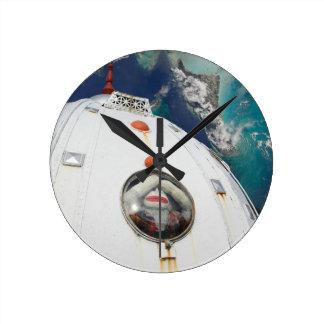 宇宙猿で失った ラウンド壁時計