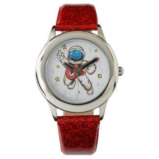 宇宙飛行士の勝利ジェスチャー 腕時計