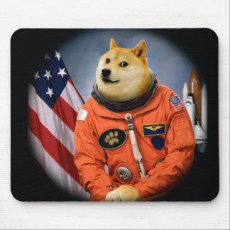 宇宙飛行士犬-総督- shibe -総督のミーム マウスパッド