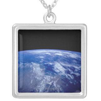 宇宙13からの地球 シルバープレートネックレス