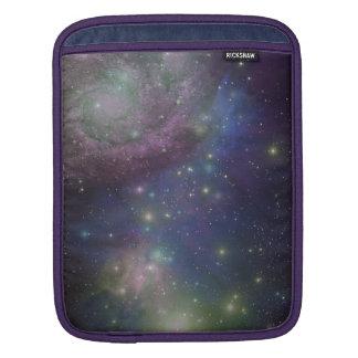 宇宙、星、銀河系および星雲 iPadスリーブ