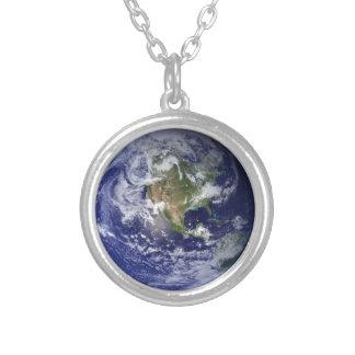 宇宙-西半球からの地球 シルバープレートネックレス
