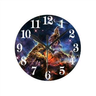 宇宙NASAの神秘的な山 ラウンド壁時計