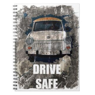 安全なレトロ車を運転して下さい ノートブック