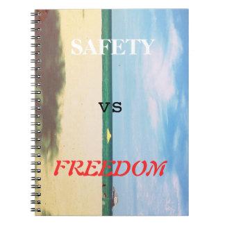安全対自由 ノートブック